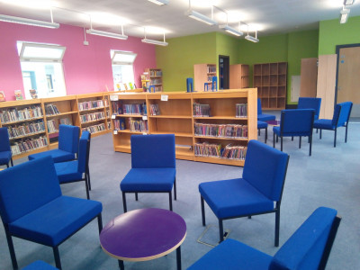 https://www.sla.org.uk/control/uploads/images/natural/300/contained/school-library~1630058750.jpg