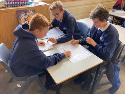 https://www.sla.org.uk/control/uploads/images/natural/300/contained/year-9-creative-writing-class-whitley-bay-high-school-1-credit-gareth-ellis~1623943646.jpg